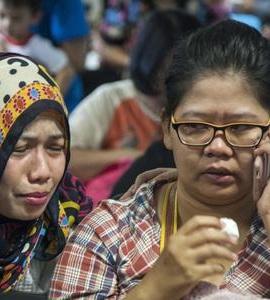 Surabaya Air Asia Plane Missing